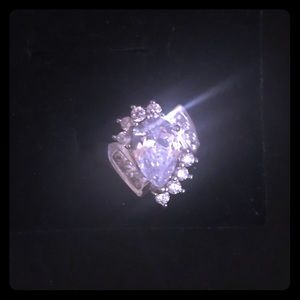 NIB Unique Tear Drop WGP Fashion Ring Size 6